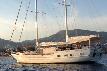 For a different summer charter destination, think abut Turkey aboard the traditional boat TURKISH DELIGHT.